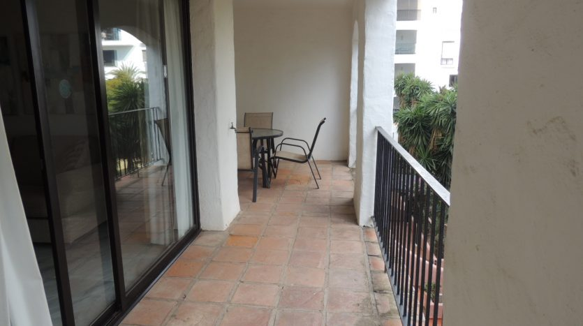 Puerto Banus middle floor apartment - image Puerto-Banus-middle-floor-apartment-13-835x467 on https://www.laconchaliving.com