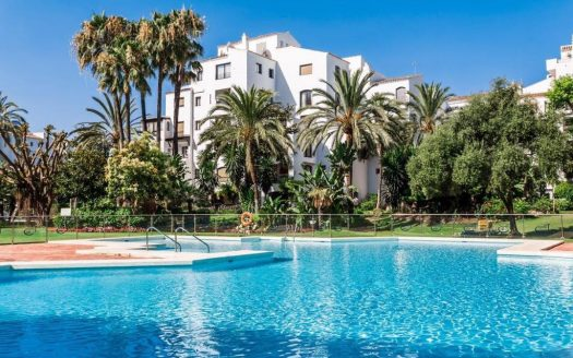 Apartment near the port of Marbella - image Puerto-Banus-middle-floor-apartment-14-525x328 on https://www.laconchaliving.com