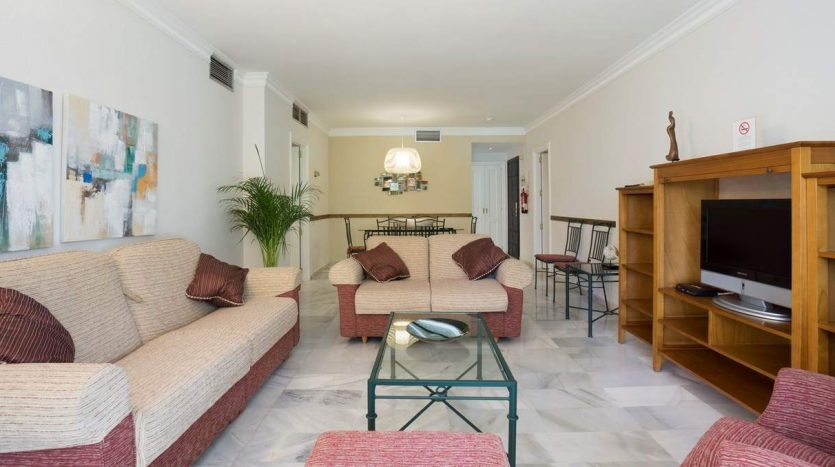 Puerto Banus middle floor apartment - image Puerto-Banus-middle-floor-apartment-3-835x467 on https://www.laconchaliving.com
