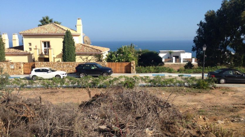 Building plot with sea views - image Building-plot-with-sea-views-1-835x467 on https://www.laconchaliving.com