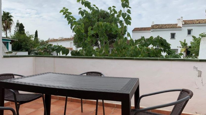 Beachside apartment Lunamar Marbella East - image Beachside-apartment-Lunamar-10-835x467 on https://www.laconchaliving.com