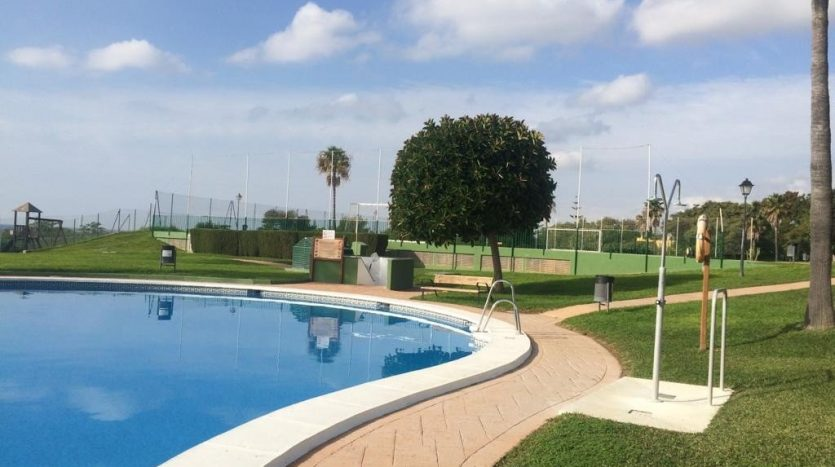 Beachside apartment Lunamar Marbella East - image Beachside-apartment-Lunamar-12-835x467 on https://www.laconchaliving.com