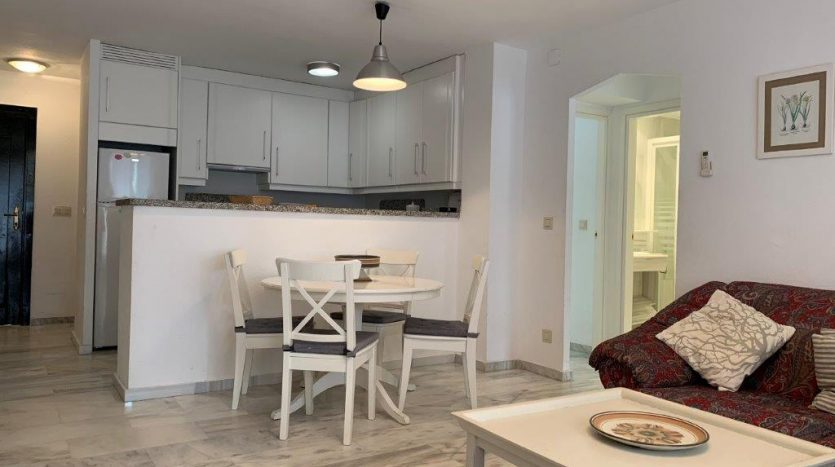 Beachside apartment Lunamar Marbella East - image Beachside-apartment-Lunamar-3-835x467 on https://www.laconchaliving.com