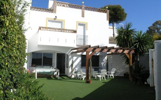 Beachside townhouse Marbella - image Beachside-townhouse-Marbella-1-525x328 on https://www.laconchaliving.com