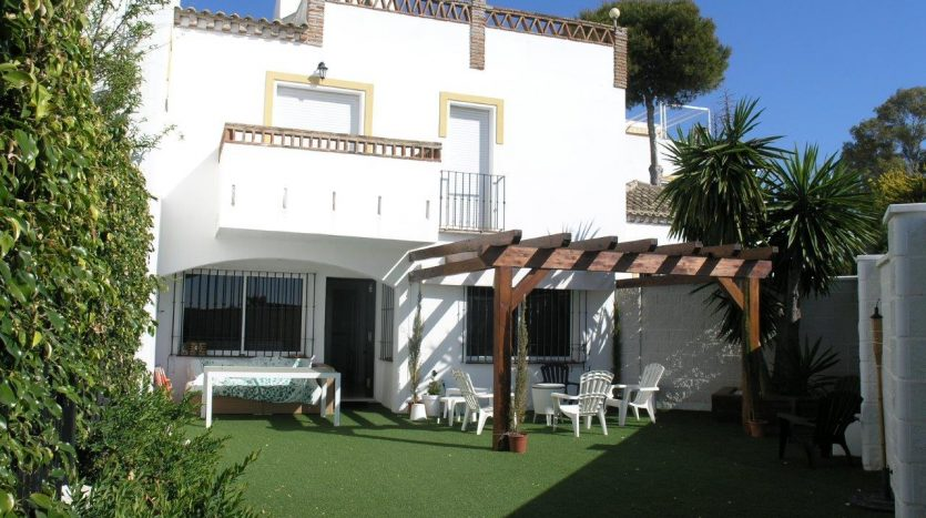 Beachside townhouse Marbella - image Beachside-townhouse-Marbella-1-835x467 on https://www.laconchaliving.com