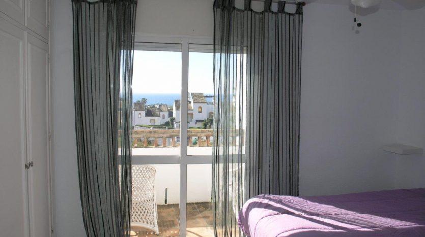 Таунхаус рядом с пляжем Марбельи - image Beachside-townhouse-Marbella-10-835x467 on https://www.laconchaliving.com