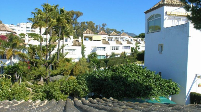 Beachside townhouse Marbella - image Beachside-townhouse-Marbella-16-835x467 on https://www.laconchaliving.com