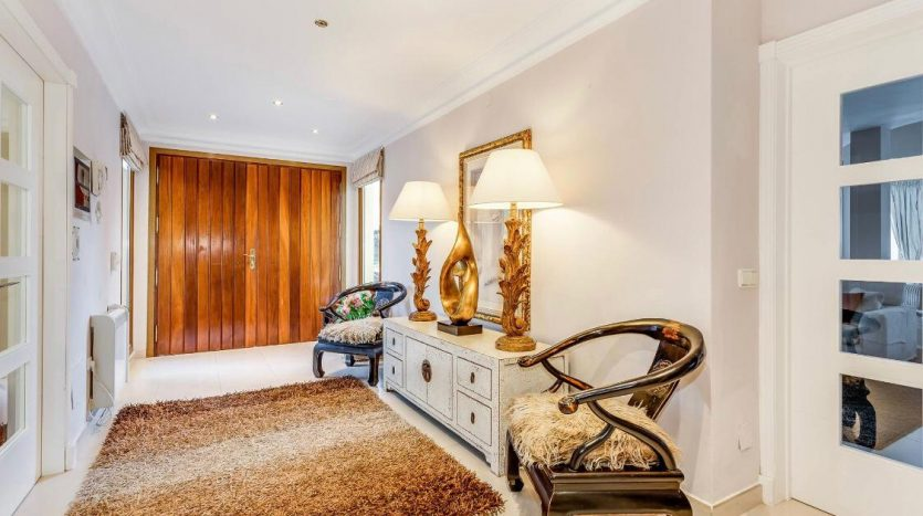 Amueblada villa familiar - image furnished-villa-puerto-banus-14-835x467 on https://www.laconchaliving.com