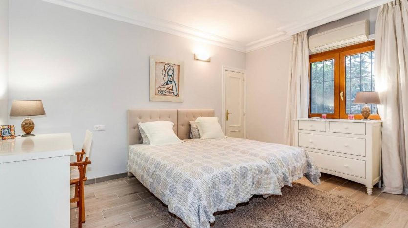 Amueblada villa familiar - image furnished-villa-puerto-banus-4-835x467 on https://www.laconchaliving.com