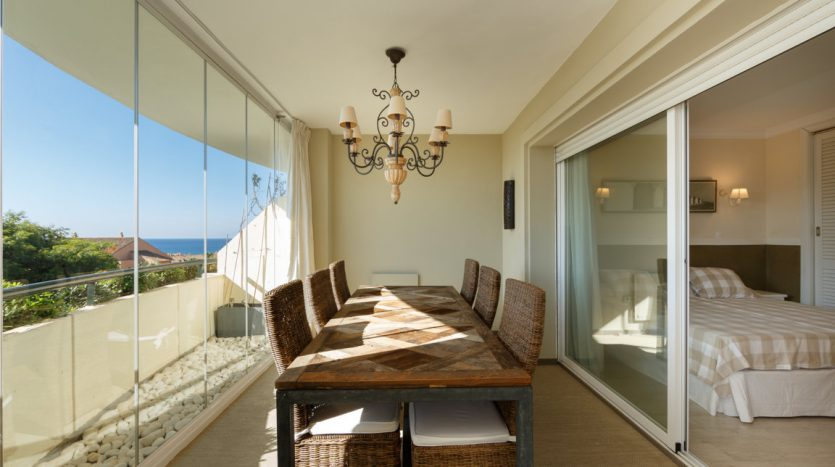 Luxurious apartment in Bahia de Marbella - image vista-hermosa-marbella-luxurious-apartment-17-835x467 on https://www.laconchaliving.com
