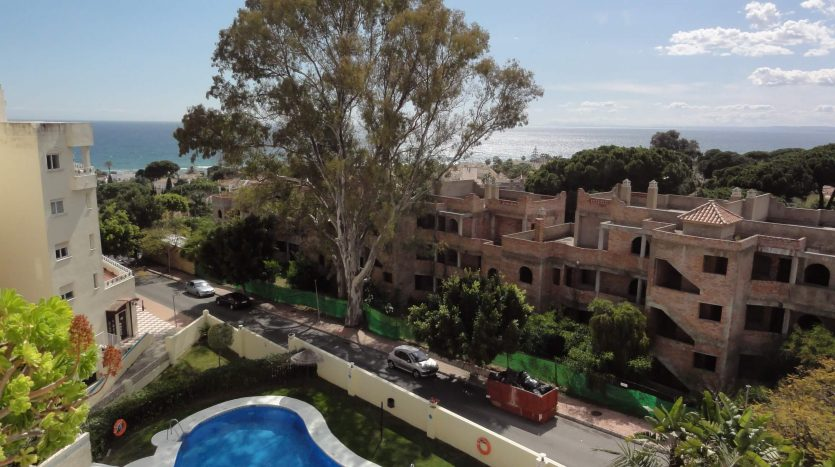 Beachside apartment Costabella Marbella - image Beachside-apartment-Costabella-Marbella-19-835x467 on https://www.laconchaliving.com