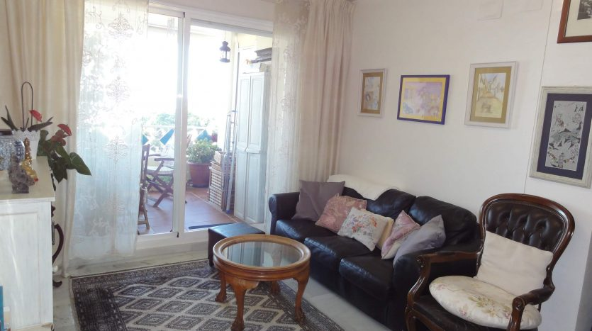 Beachside apartment Costabella Marbella - image Beachside-apartment-Costabella-Marbella-5-835x467 on https://www.laconchaliving.com