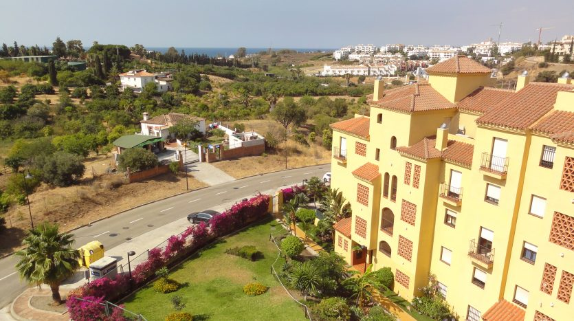 Duplex penthouse with sea views - image Selwo-Estepona-Loma-Real-1-835x467 on https://www.laconchaliving.com