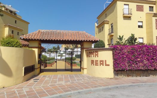 Duplex penthouse with sea views - image Selwo-Estepona-Loma-Real-2-525x328 on https://www.laconchaliving.com