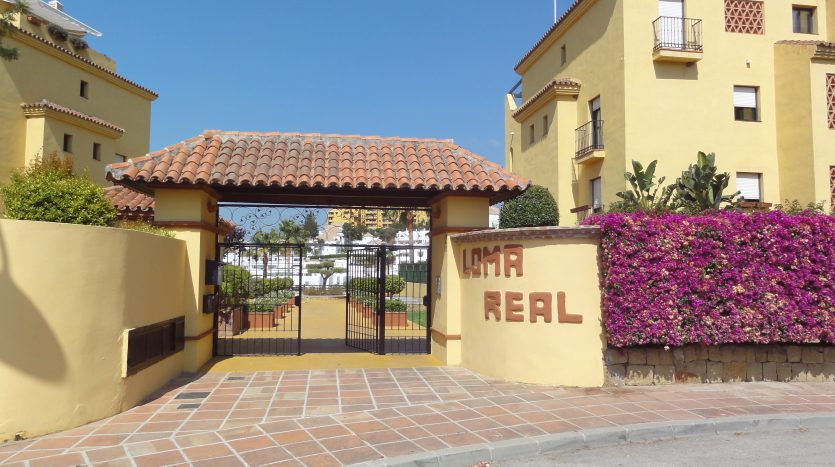 Duplex penthouse with sea views - image Selwo-Estepona-Loma-Real-2-835x467 on https://www.laconchaliving.com