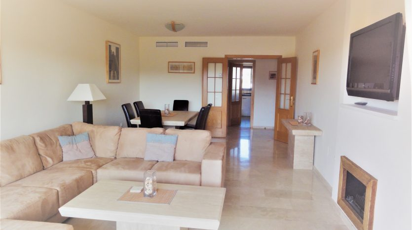 Duplex penthouse with sea views - image Selwo-Estepona-Loma-Real-4-835x467 on https://www.laconchaliving.com