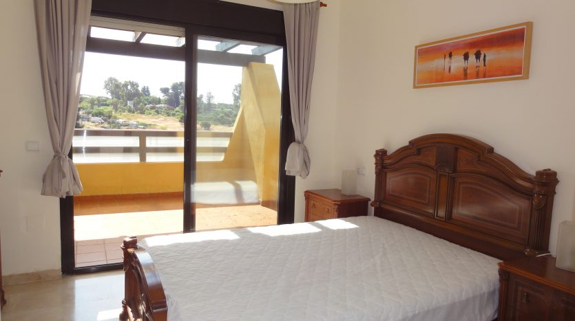 Duplex penthouse with sea views - image Selwo-Estepona-Loma-Real-7-835x467 on https://www.laconchaliving.com