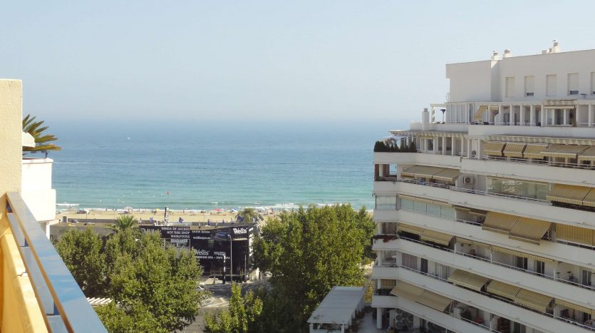 Three-bedroom apartment in Marbella town - image Marbella-three-bedrooms-apartment-19-835x467 on https://www.laconchaliving.com