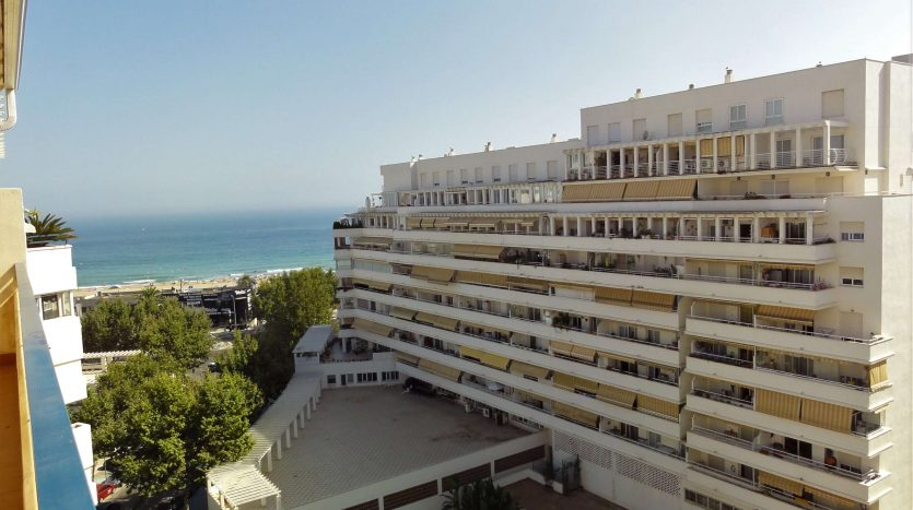 Three-bedroom apartment in Marbella town - image Marbella-three-bedrooms-apartment-2-835x467 on https://www.laconchaliving.com