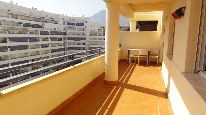 Three-bedroom apartment in Marbella town - image Marbella-three-bedrooms-apartment-4-835x467 on https://www.laconchaliving.com
