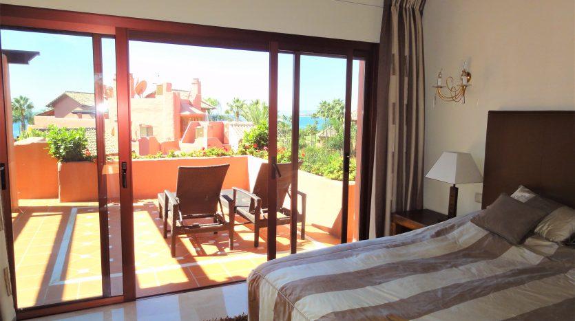 Beachside penthouse Estepona - image Menara-Beach-Estepona-10-835x467 on https://www.laconchaliving.com