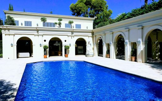 Tuscan style villa in Marbella Golden Mile